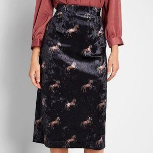 Modcloth Plot Thickens Velvet Pencil Skirt Black L